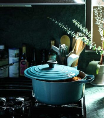 How to Clean Dutch Oven the Best Way