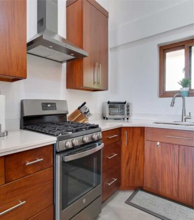 How to clean kitchen countertops: Granite, Quartz and Marble